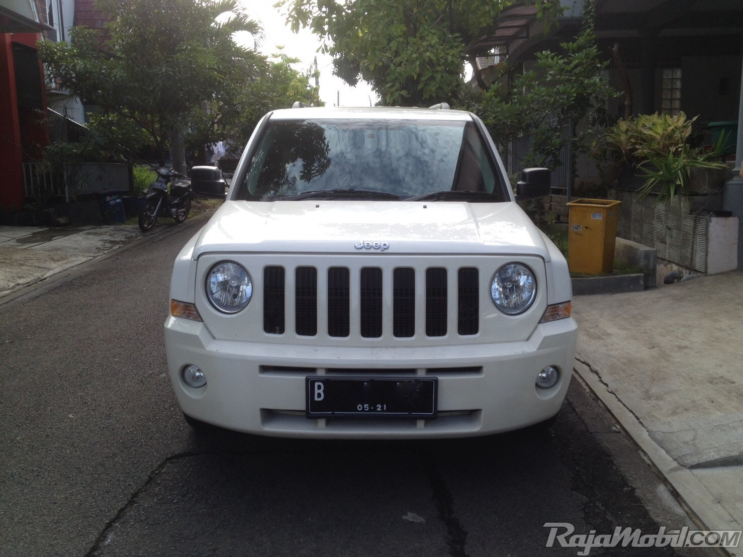 dijual mobil bekas jeep patriot 2011 di bogor id 973687. Black Bedroom Furniture Sets. Home Design Ideas