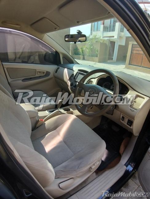 Dijual Mobil Baru Toyota Kijang Innova 2015 3